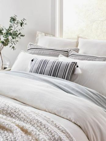 Hearth & Hand with Magnolia Bedding for Target od Joanna Gaines